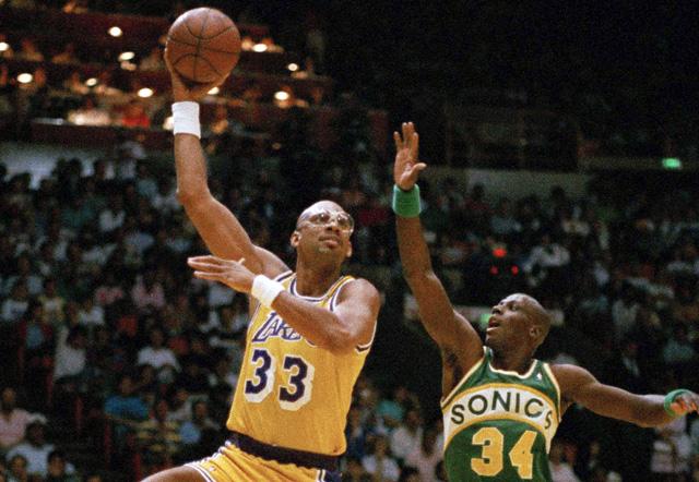 pretty nice ebfa7 cf154 Kareem Abdul Jabbar: 'Impossible' to name NBA's greatest ...