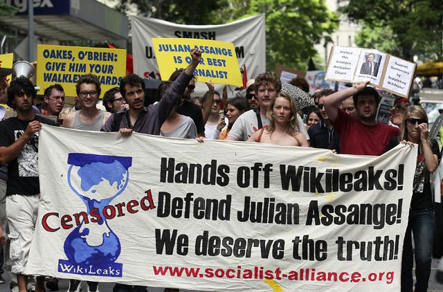 Putin leads backlash over WikiLeaks boss detention