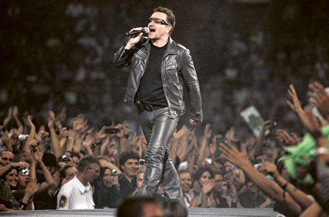 U2 hit by 'tax dodge' protest at Glastonbury festival