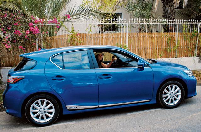 Test drive: Make mine a Lexus hybrid