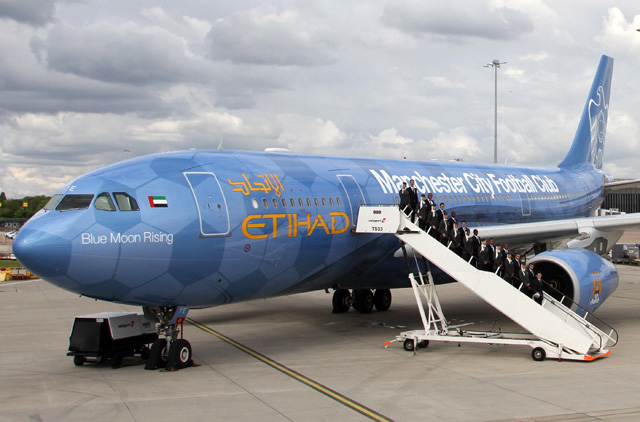 Etihad unveils special A330-200 Manchester City livery