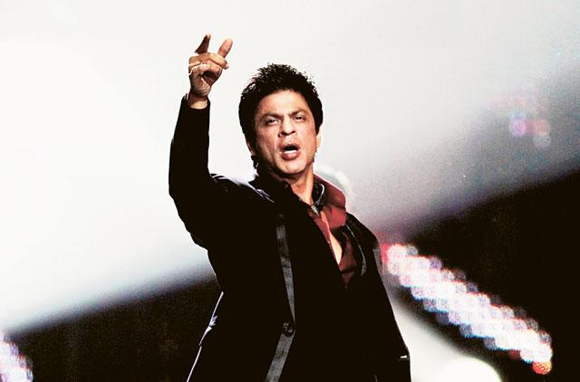 Down with flu, Shah Rukh Khan still dances
