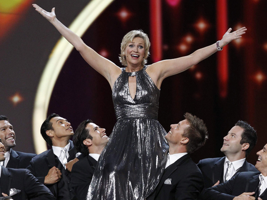 Emmy viewers down, mixed reviews for host Jane Lynch   Tv ...
