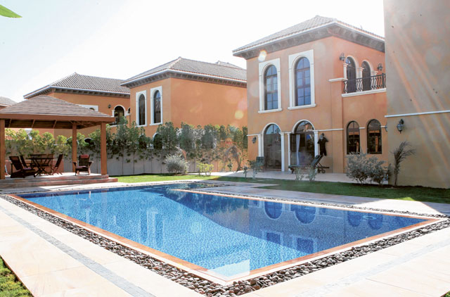 Dubai pools infested with bacteria | Uae – Gulf News