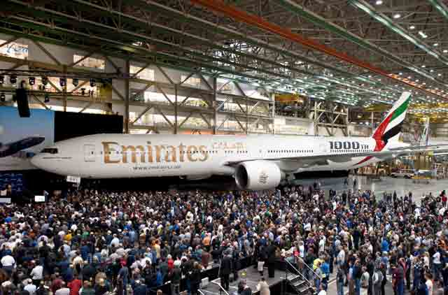 Emirates airline's 2011 net profit down 72% on high fuel