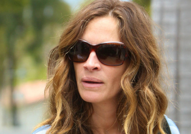 Julia Roberts Half Sister Blames Actress For Her Death