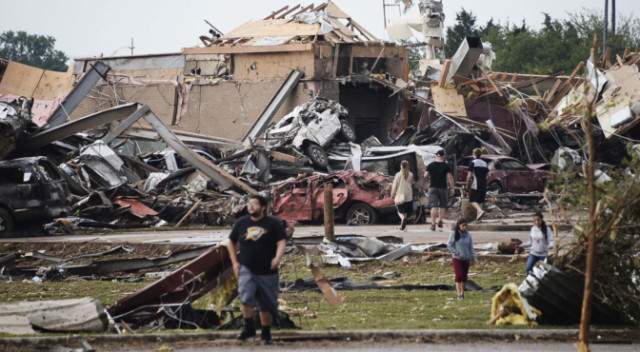 Swift escape for five-year-old from tornado in Oklahoma