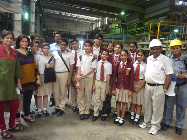 An educational trip to a recycling factory