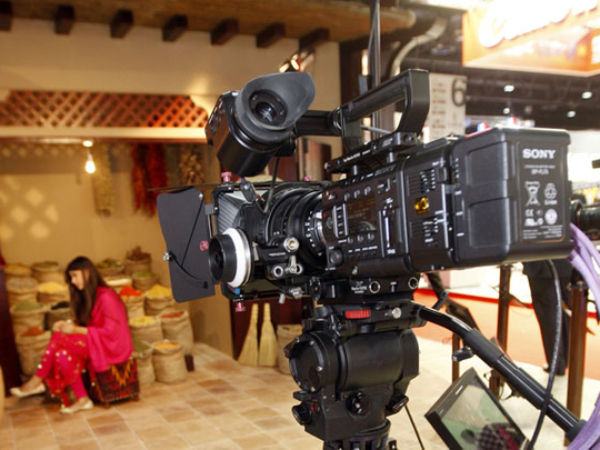 Dubai issuing filming permits once again