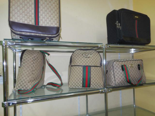 Bagging a bargain at 'hidden shops' in Karama   Crime – Gulf