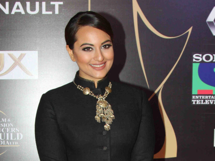 Sonakshi: Can't sing classical songs, I like to rap