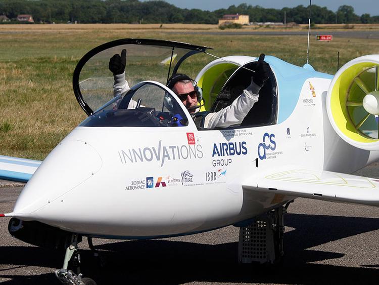 نتيجة بحث الصور عن Airplane - Racing - Electric + White Lightning