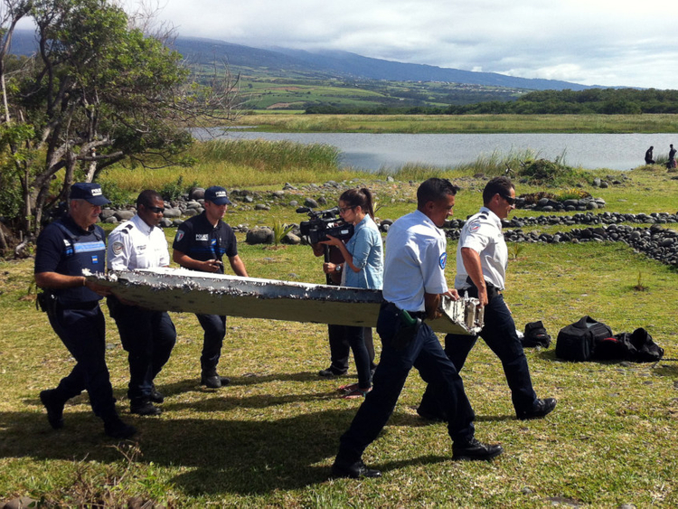 Plane debris 'same type' as MH370, currents consistent with parts