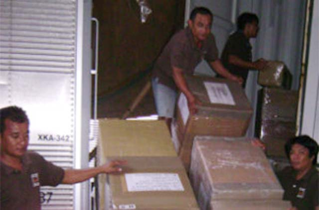 New rules for Filipino expats' balikbayan boxes to take