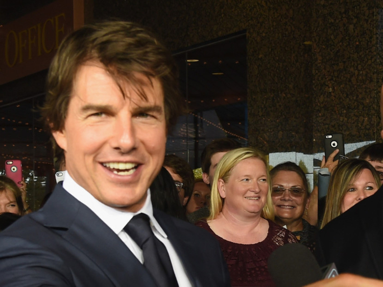 Tom Cruise raises money for charity   Entertainment – Gulf News