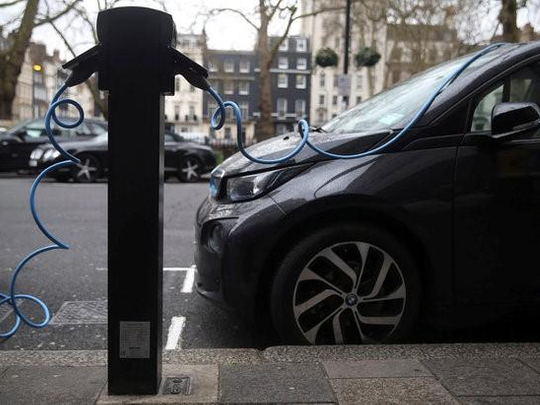 Saudi inventor solves problem of charging electric cars