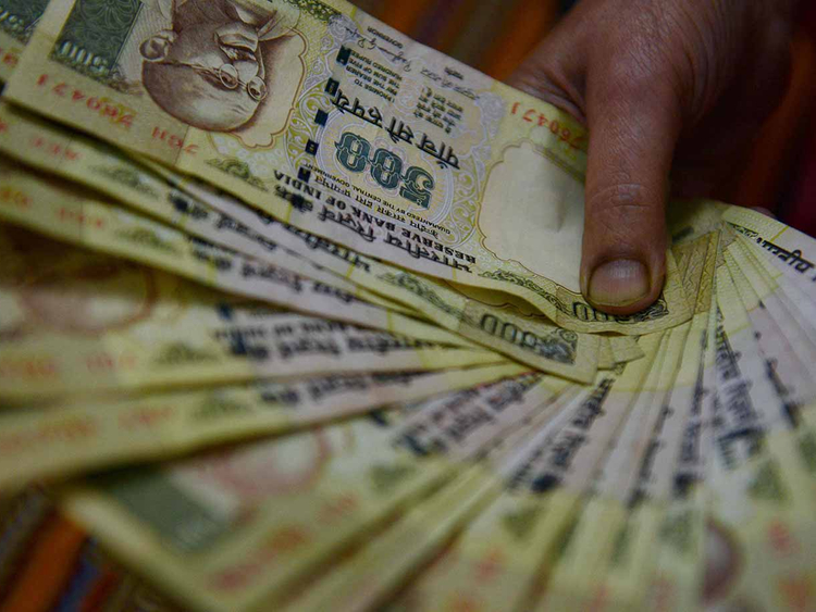 India makes Rs 500, Rs 1000 notes invalid, restricts ATM