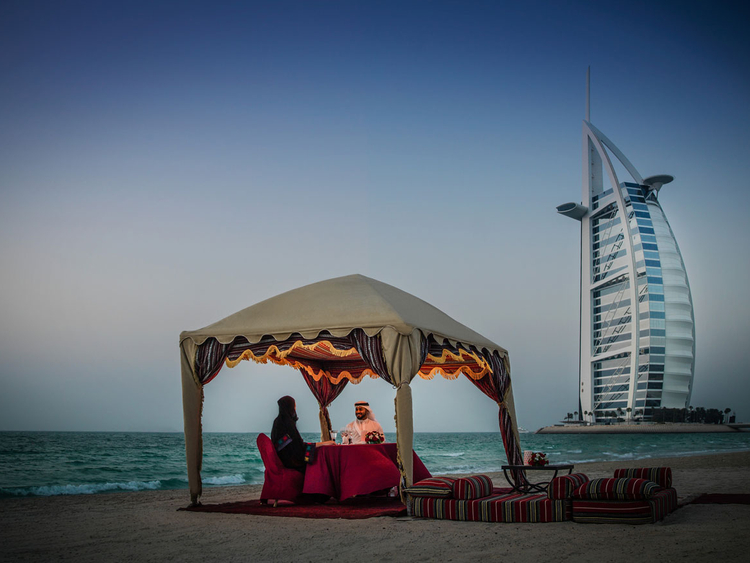 best places for date night dubai