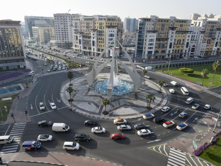 How Dubai's traffic signal system works