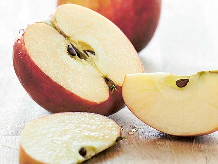 Dubai Municipality Downplays Rumours On Toxicity Of Apple Seeds