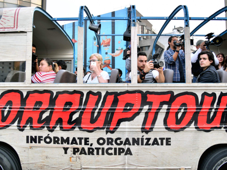 Corruptour shines unflattering light on graft in Mexico