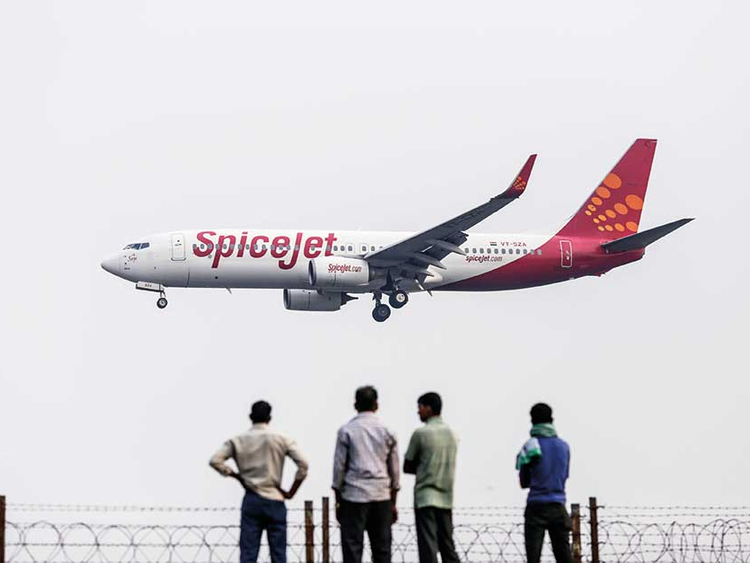 Indian carriers SpiceJet and Air India announce full fare
