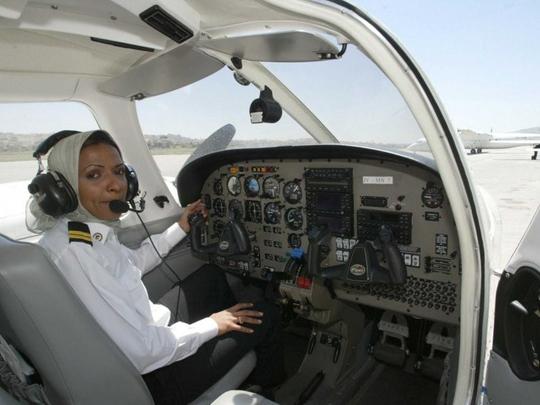 Saudia offers pilot-training scholarships to women | Saudi