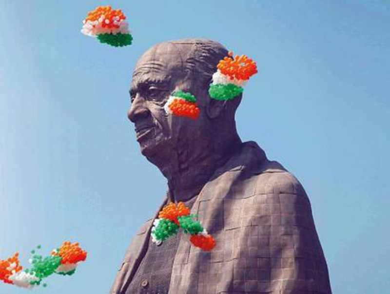 2737274333 Statue of India Reuters New