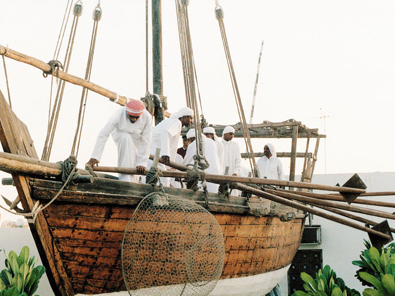 Captains who were not sponsored could sell the pearls to a land-based professional pearl merchant