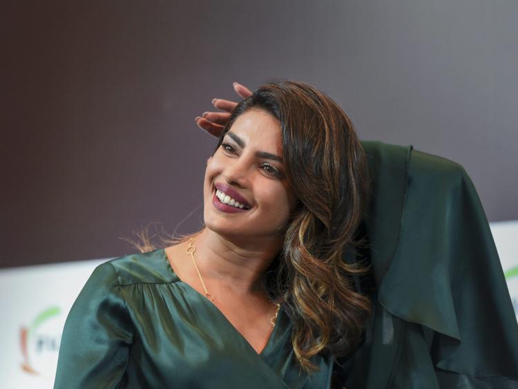 tab  Priyanka Chopra (2)