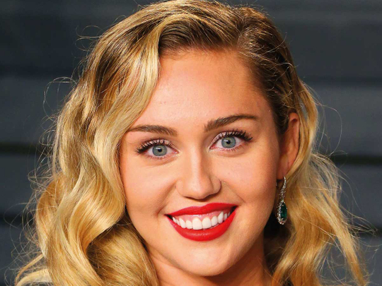 181113 Miley Cyrus2