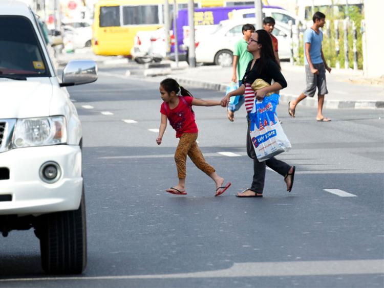 181113  pedestrians
