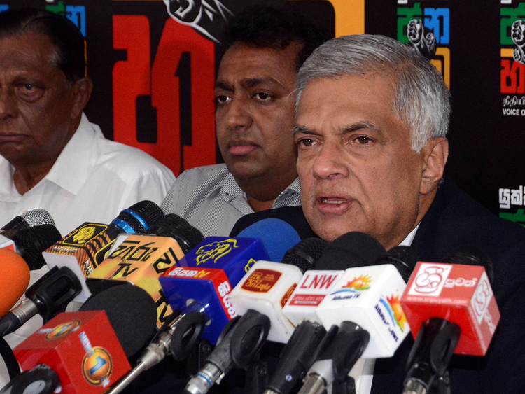 2018-11-13T155924Z_1220248758_RC1A833D7300_RTRMADP_3_SRI-LANKA-POLITICS-(Read-Only)