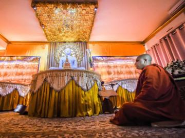 RDS_181115 Tolerance and Faiths Buddhist Monastery