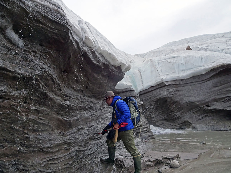 ICELAND_CRATER_GLACIER_2-1-(Read-Only)