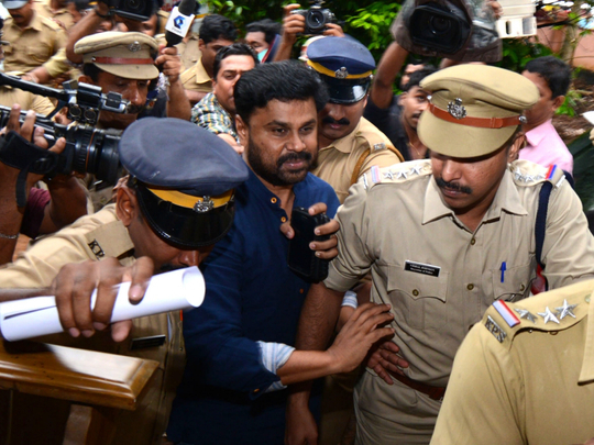 tab_Dileep being arrested