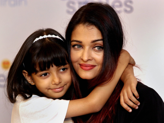 tab Aishwarya with Aaradhya at Smile Train event