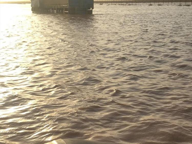 REG 181125 Saudi rains 1