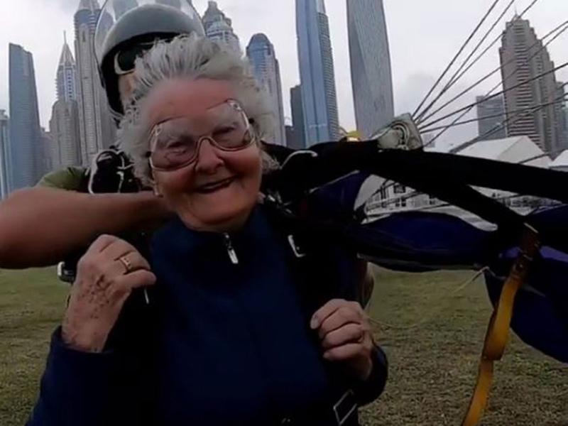 skydive-granny