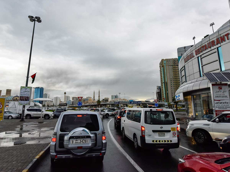 181125 traffic rain