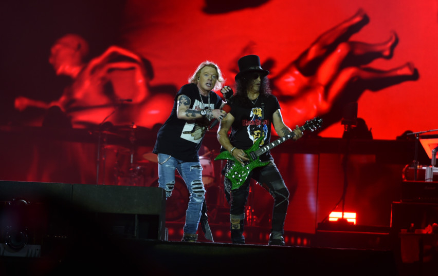 NAT_181125_GUNSANDROSES_AD~1