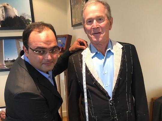 RDS_181129 George Bush tailor 1