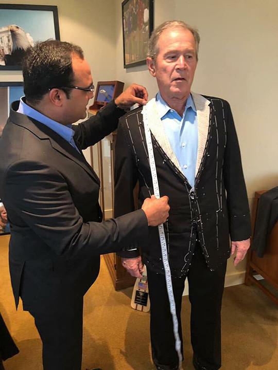 RDS_181129 George Bush tailor 3