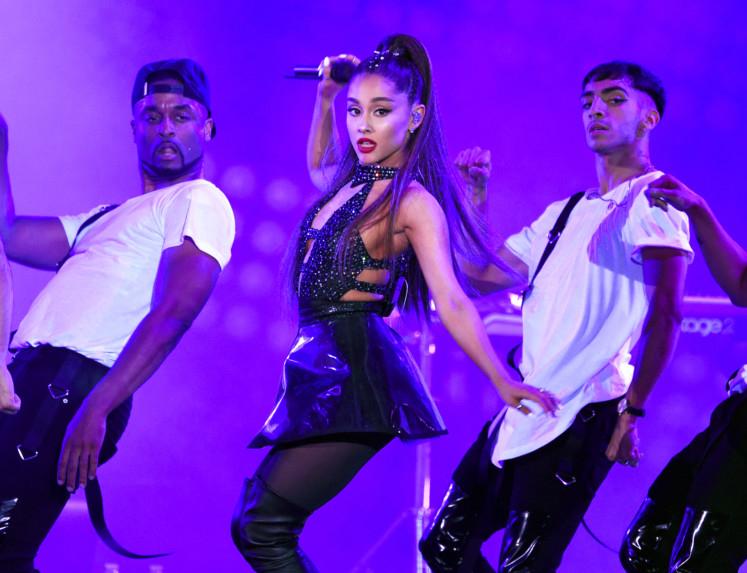tab Ariana Grande