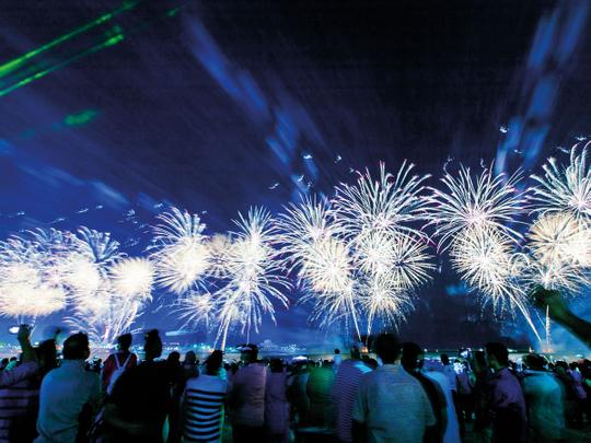 NAT_181129-fireworks-AD_AF1~1-(Read-Only)