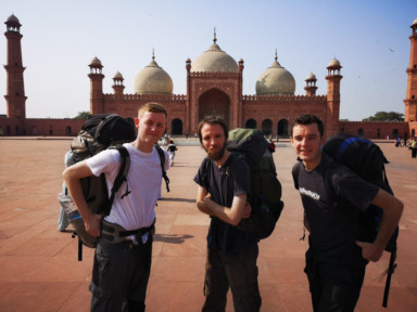 WPK_181124 British Backpacker_SJAMAL10