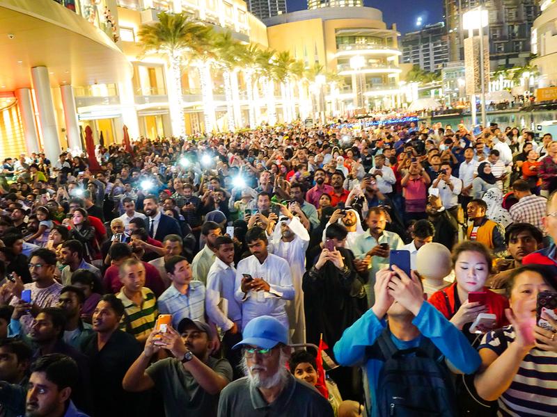 Visitors throng Burj Khalifa