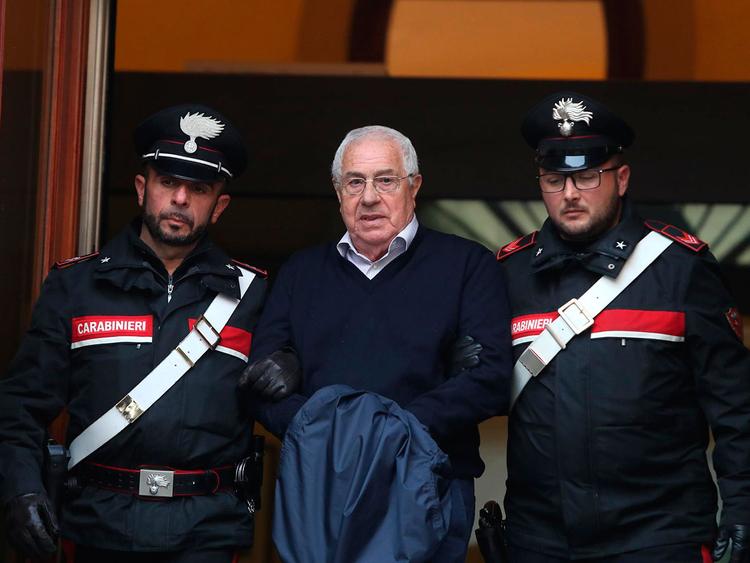 CORRECTION_Italy_Mafia_Arrests_33509