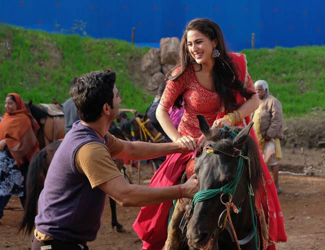 Sushant Singh Rajput and Sara Ali Khan - Kedarnath (9)