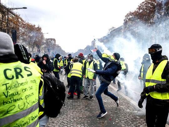 181209 paris protest